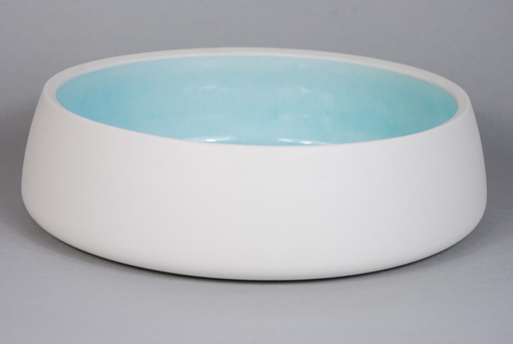 Pool Bowl, burnished porcelain, 28 cm: minimalist  by Andrew Temple Smith Ceramics, Minimalist