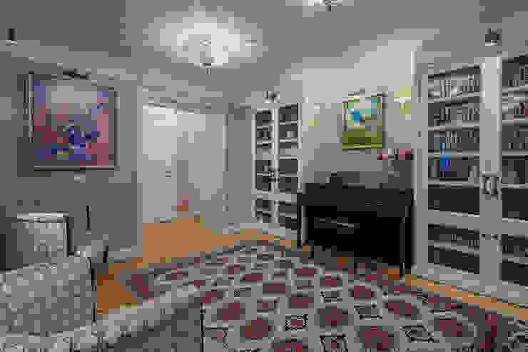холл Коридор, прихожая и лестница в классическом стиле от Bituleva Project Классический
