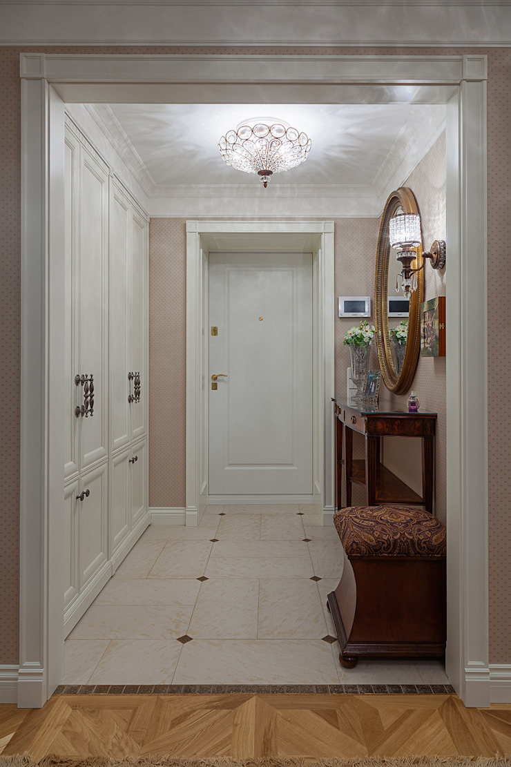 прихожая Коридор, прихожая и лестница в классическом стиле от Bituleva Project Классический