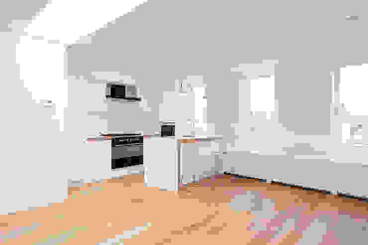 Extra verdieping wordt expatloft Minimalistische keukens van Het Ontwerphuis Minimalistisch