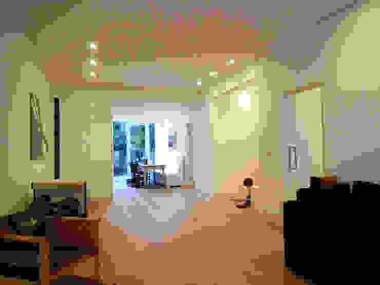 Luxe verbouwing Amsterdam Minimalistische woonkamers van Het Ontwerphuis Minimalistisch