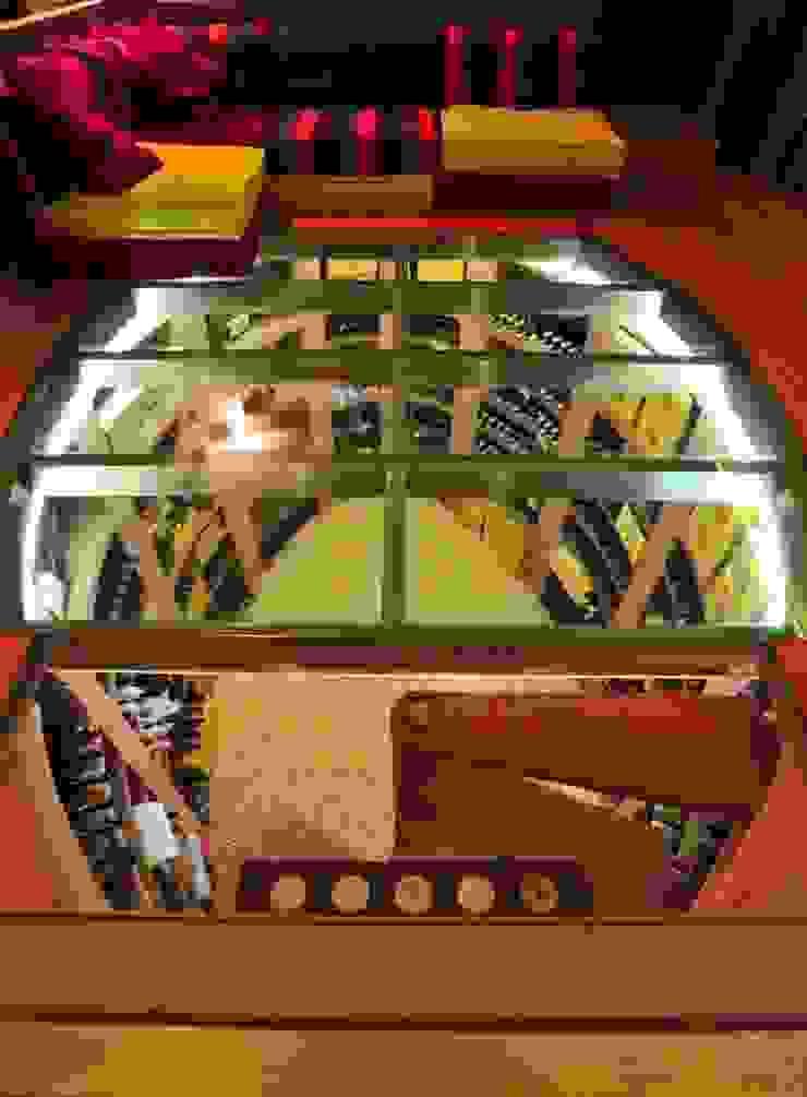Bodega Ovalada Transparente Bodegas de estilo moderno de jecasar Moderno