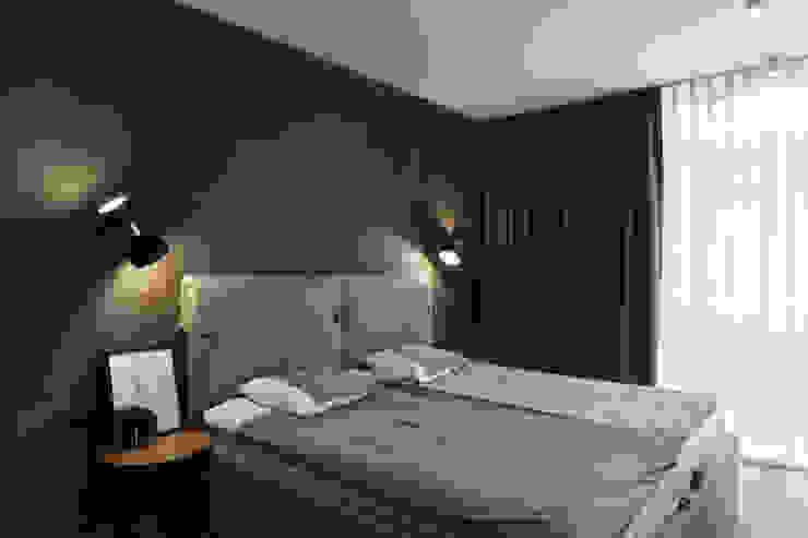Квартира с характером Спальня в стиле минимализм от LPetresku Минимализм