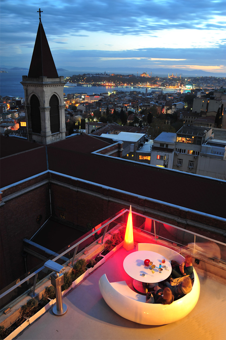 360 Istanbul Guests on the Terrace 360istanbul Akdeniz
