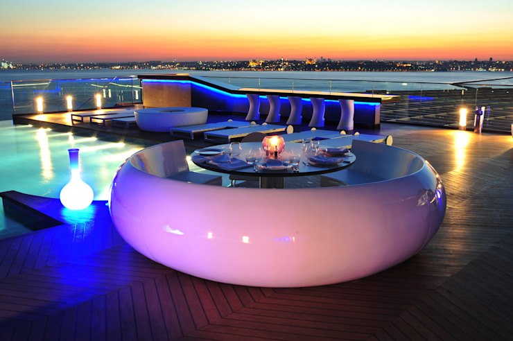 360 Istanbul East Magic Hour with White Booth 360istanbul Akdeniz