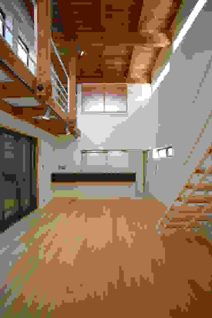 リビングダイニング モダンデザインの ダイニング の 白根博紀建築設計事務所 モダン