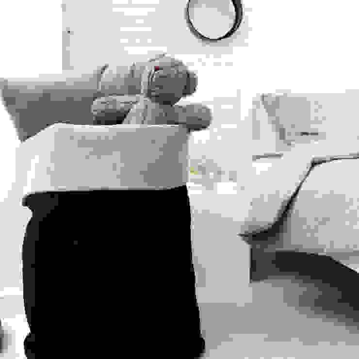 minimalist  by Nocne Dobra, Minimalist