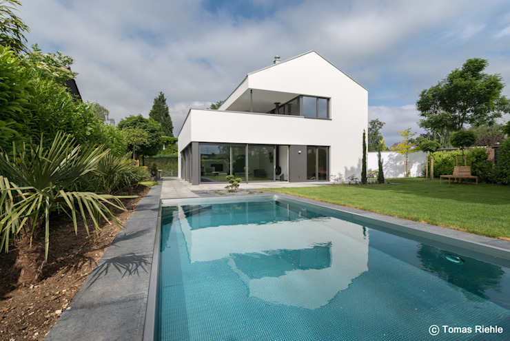 by Schmitz Architekten GmbH Modern