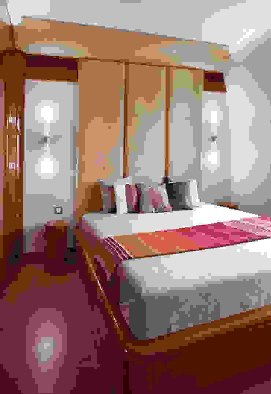 КВАРТИРА-ЯХТА Спальня в средиземноморском стиле от 4d.studio Средиземноморский