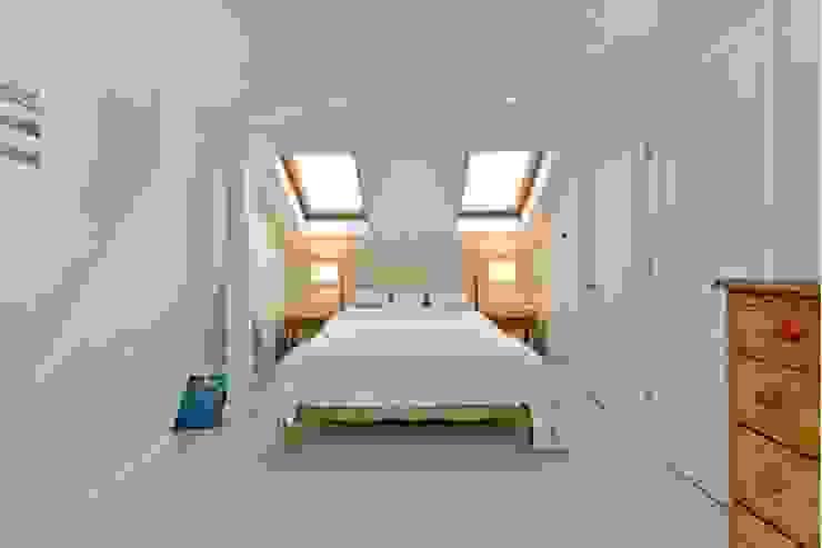 Loft conversion Prestige Build & Management Limited. Chambre classique