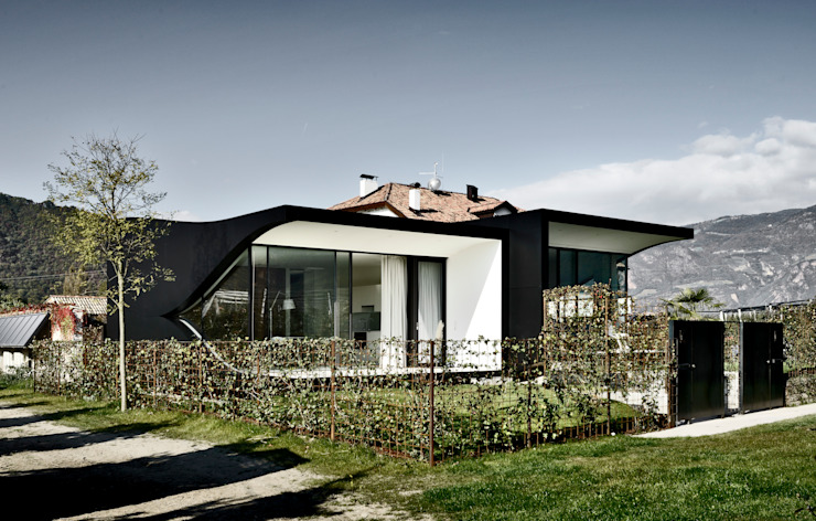 Mirror Houses Minimalist houses by Peter Pichler Architecture Minimalist