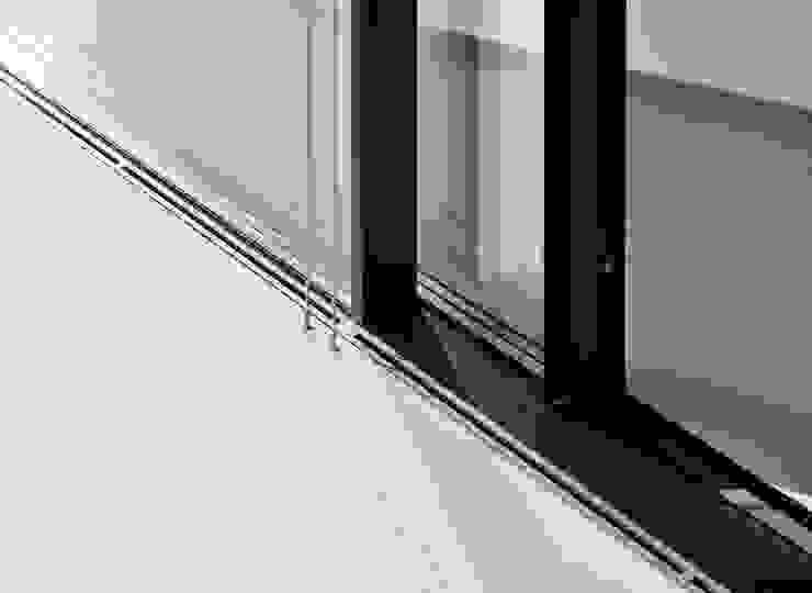 Mirror Houses Fenêtres & Portes minimalistes par Peter Pichler Architecture Minimaliste