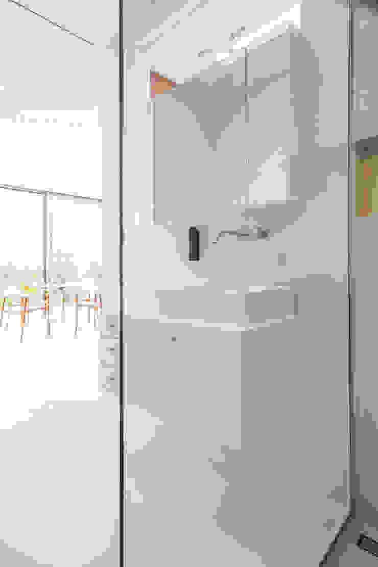 Mirror Houses Salle de bain minimaliste par Peter Pichler Architecture Minimaliste