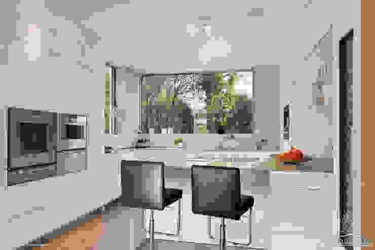 Kücke Moderne Küchen von Langmayer Immobilien & Home Staging Modern