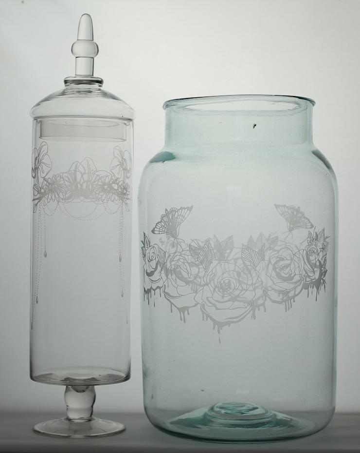 Dripping Roses Jar & Daisy Orchid Garland Bonbon Jar: eclectic  by Sara Newman Design, Eclectic