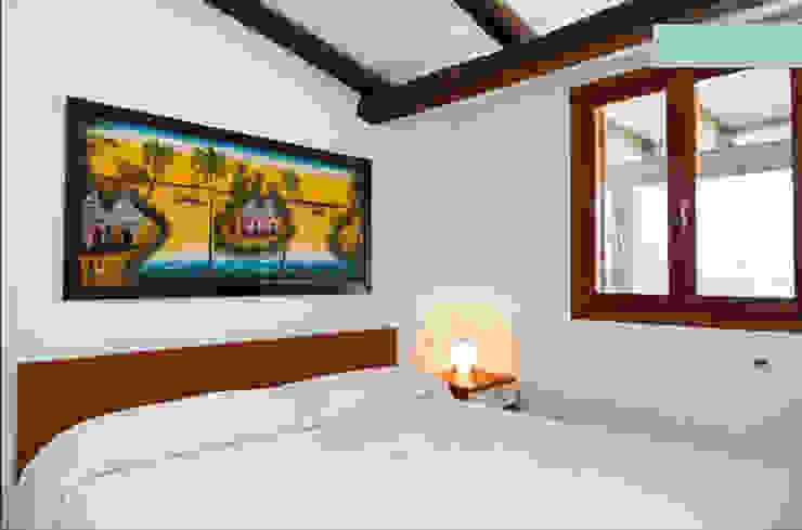 Industrial style bedroom by ArchEnjoy Studio Industrial