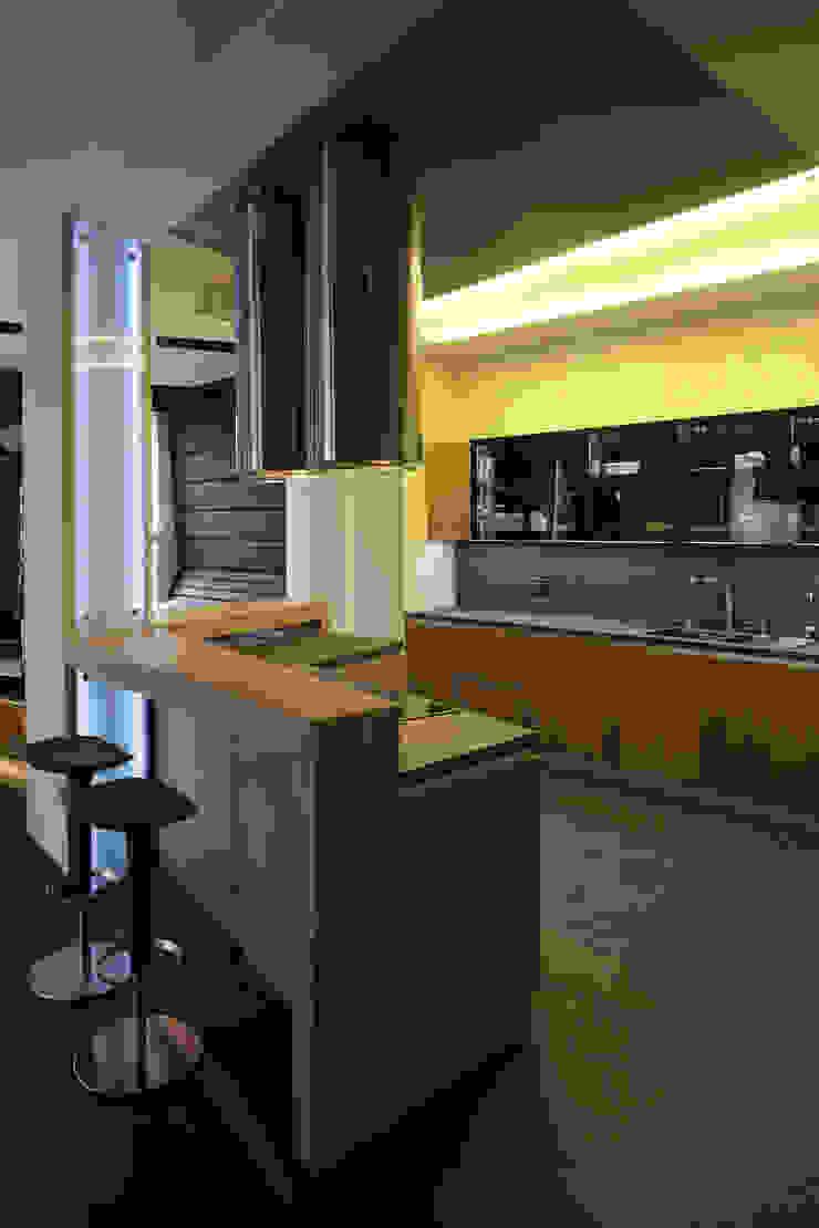 квартира на Станиславского Disobject architects Кухня в стиле модерн