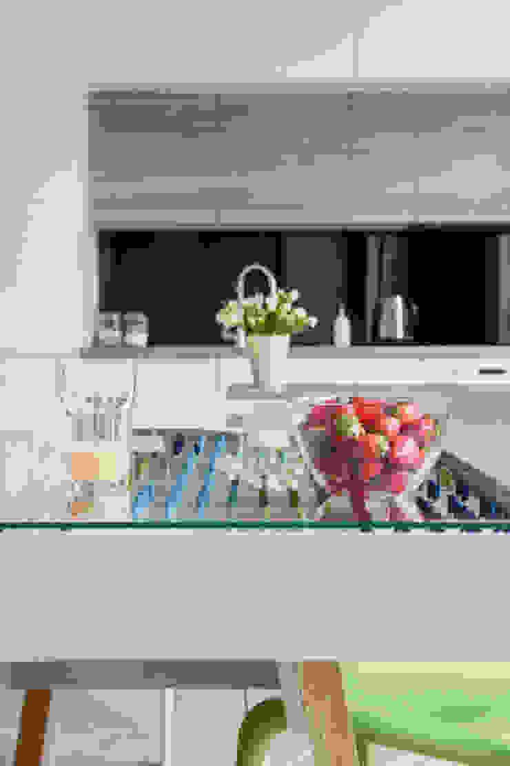 Mieszkanie ze skandynawskim zacięciem Skandynawska kuchnia od Kameleon - Kreatywne Studio Projektowania Wnętrz Skandynawski