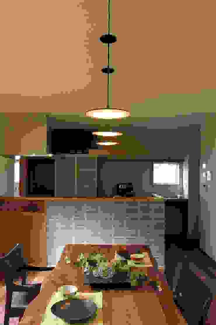 季節を眺める住まい オリジナルデザインの ダイニング の 石川泰之建築設計室 オリジナル