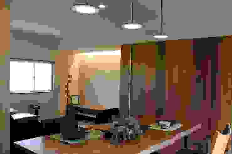 季節を眺める住まい オリジナルデザインの リビング の 石川泰之建築設計室 オリジナル