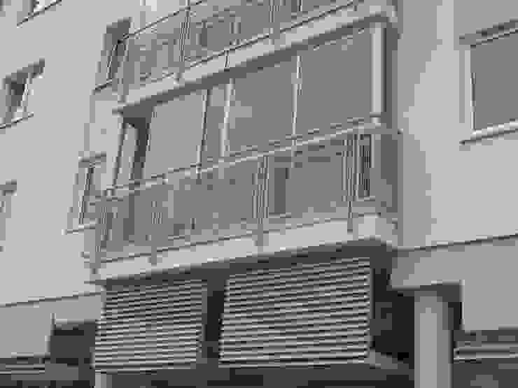 Zabudowa balkonu systemem ramowym przesuwnym Klasyczny balkon, taras i weranda od SERVIKO Klasyczny