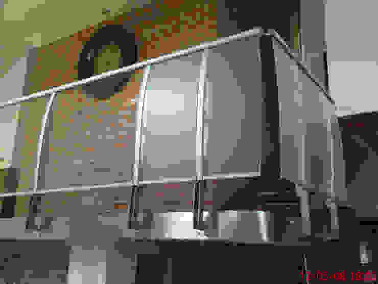 Balustrada wewnętrzna Klasyczny salon od SERVIKO Klasyczny