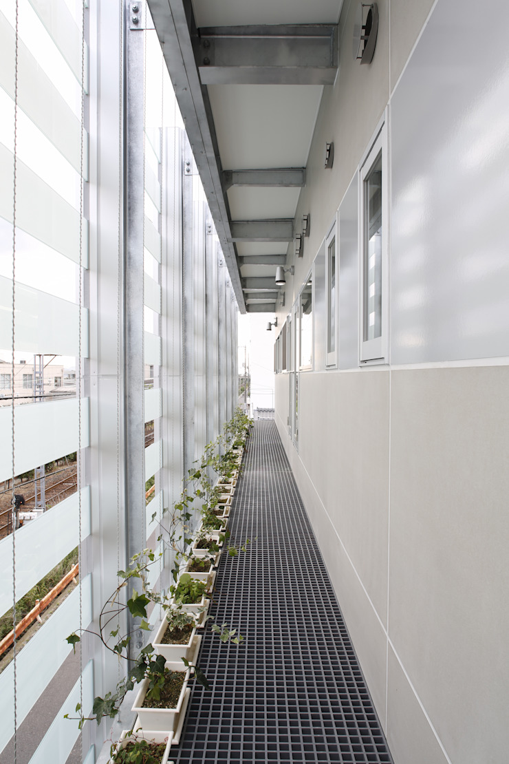 ベランダ の 白根博紀建築設計事務所 モダン