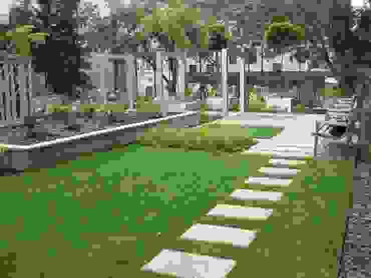 by Sungarden - Projektowanie i urządzanie ogrodów