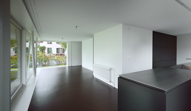 Wohnhaus Münchenstein Moderner Flur, Diele & Treppenhaus von raeto studer architekten Modern
