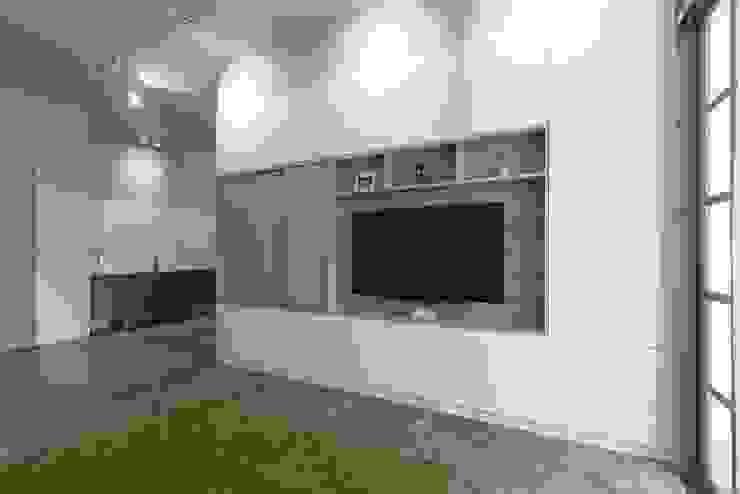 Serenity Park Scandinavian style living room by Eightytwo Pte Ltd Scandinavian