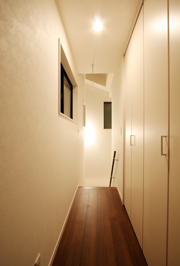 品川の住処 株式会社ハウジングアーキテクト建築設計事務所 和風の 玄関&廊下&階段