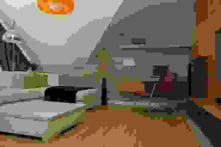 Moderne woonkamers van formativ. indywidualne projekty wnętrz Modern