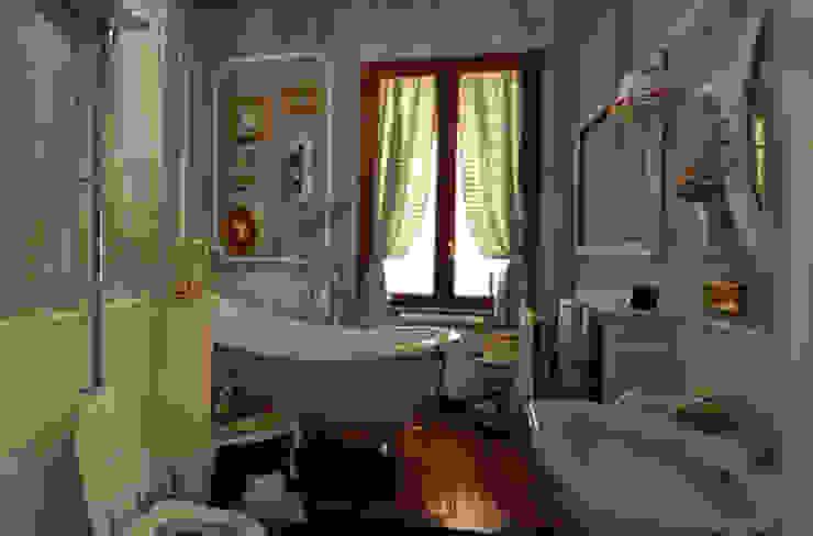 il bagno Bagno in stile classico di arch. Paolo Pambianchi Classico