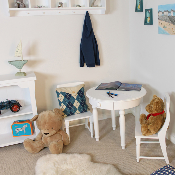 Nutkin Childrens Play Table: modern  by Harley & Lola, Modern