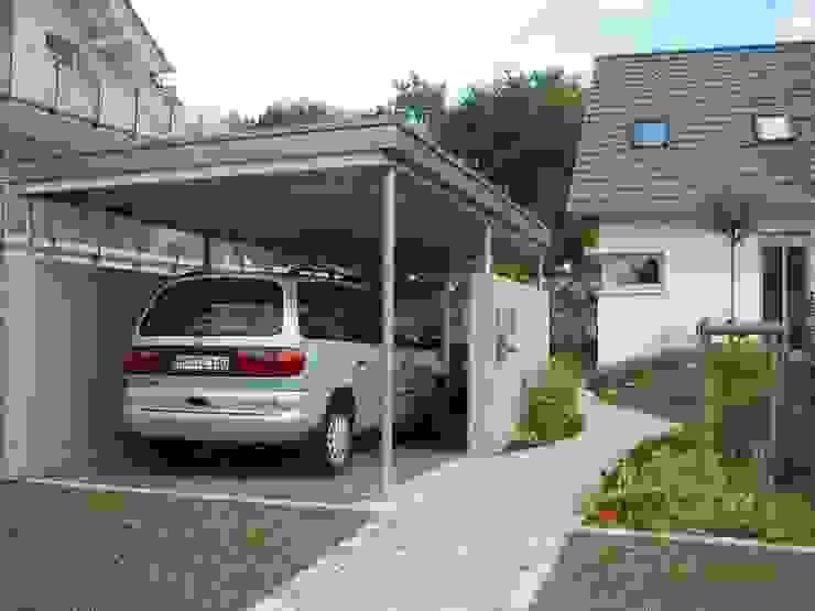 Carport, Stahlbeton/Stahl/Holz Moderne Garagen & Schuppen von ARCHITEKTURBÜRO SEIPEL Modern