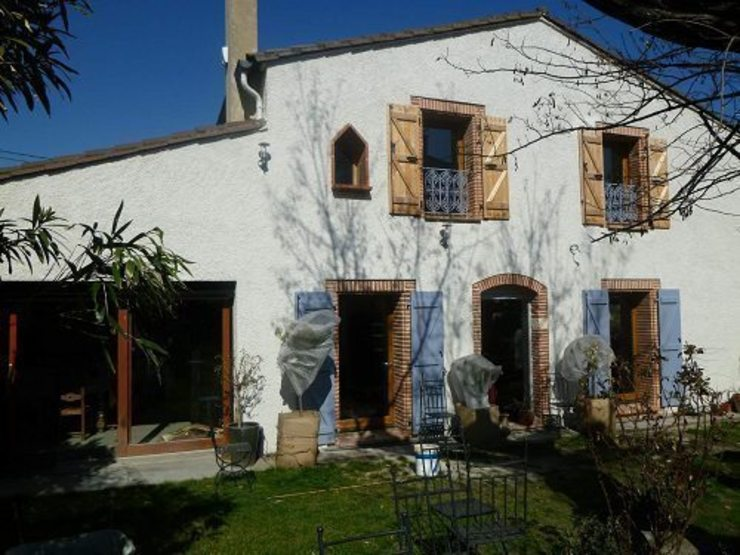 Rénovation Maison D Maisons classiques par FARACHE CLAUDE Classique