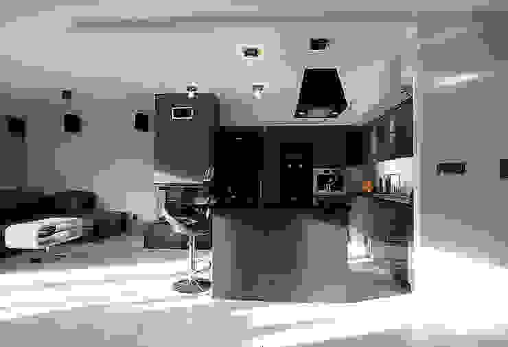 Luksusowe szarości Nowoczesna kuchnia od Kameleon - Kreatywne Studio Projektowania Wnętrz Nowoczesny
