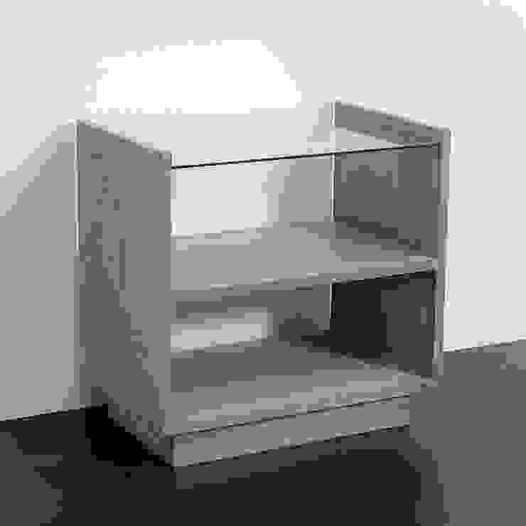 Mueble auxiliar en gris velado de TILBURY DECORACIÓN Moderno