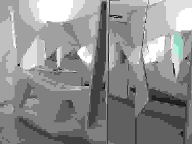 antonio giordano architetto Corridor, hallway & stairsStorage
