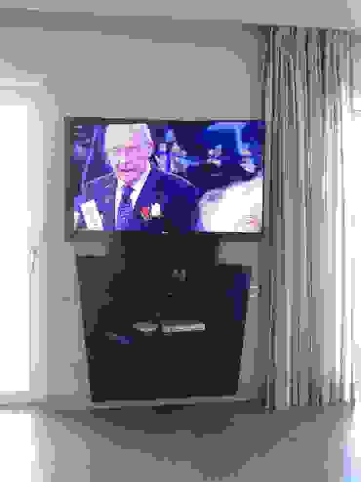 antonio giordano architetto Living roomTV stands & cabinets