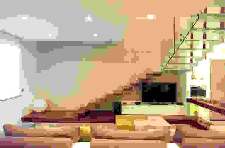 Corridor, hallway by Studio  Vesce Architettura,