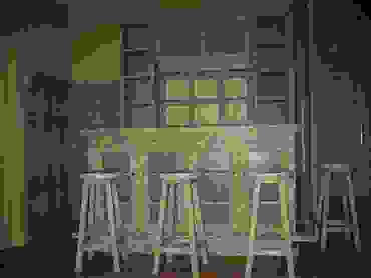 Barra y mueble bar. MUEBLES DE LA GRANJA Cavas rústicas