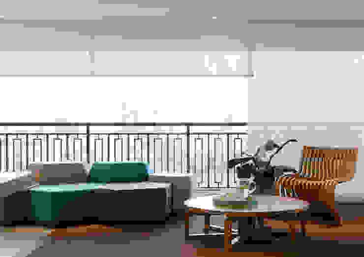 AP Varandas, alpendres e terraços modernos por Flávia Gerab Moderno