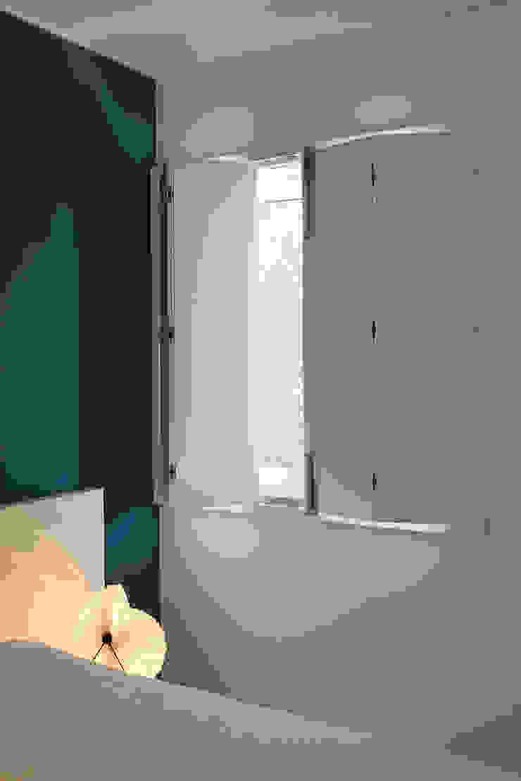 Окна и двери в стиле модерн от Tiago Patricio Rodrigues, Arquitectura e Interiores Модерн