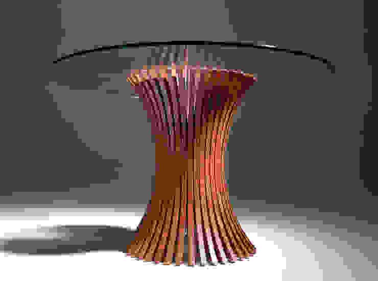 MESA JEAN de Estudio de diseño, espacios y mobiliario, Carmen Menéndez Moderno