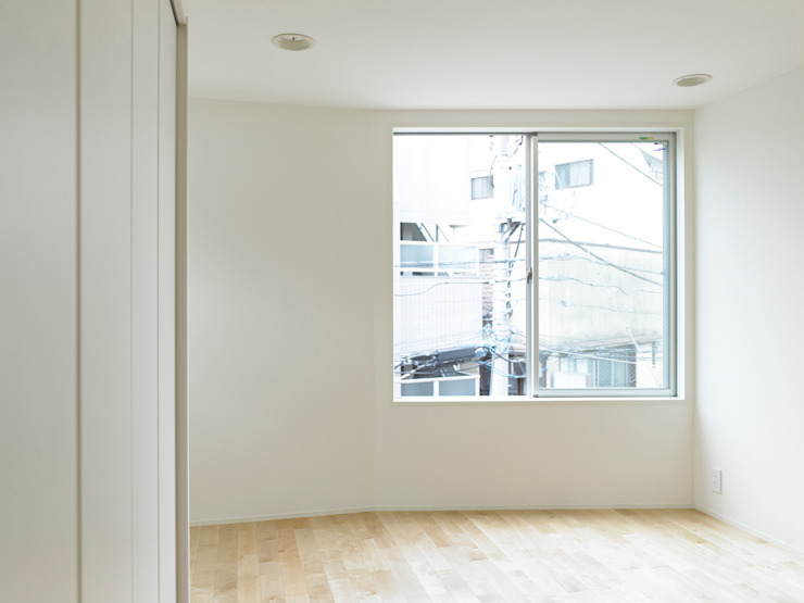 下馬のハウス モダンスタイルの寝室 の 齋藤和哉建築設計事務所 モダン