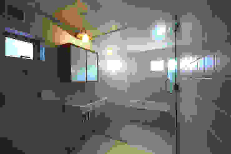 洗面所&風呂 モダンスタイルの お風呂 の TAB モダン