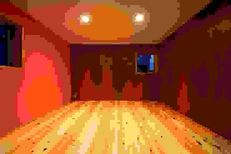 寝室 オリジナルスタイルの 寝室 の TAB オリジナル