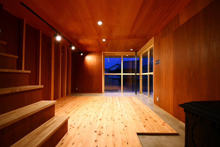 玄関土間 オリジナルデザインの 多目的室 の TAB オリジナル