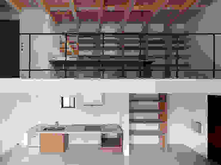 Modern style kitchen by 齋藤和哉建築設計事務所 Modern